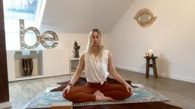 Kundalini Yoga für mehr Kraft & Energie / 45 Minuten