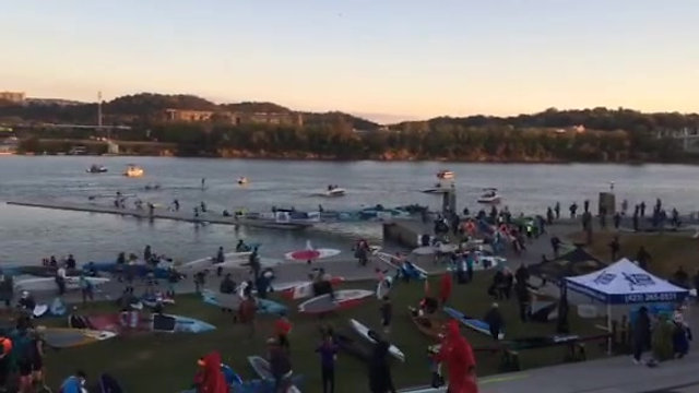 2016 Racers entering the water