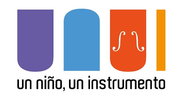 Un Niño, Un Instrumento