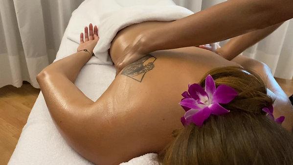 Essential oil massage in Venice