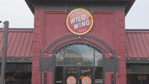 Wild Wing Cafe - Customer Video