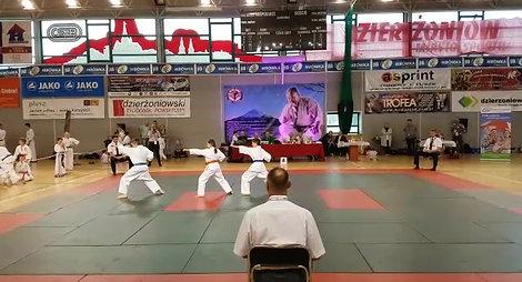 Tatrzański Team w kata drużynowym na I Memoriale Masutatsu Oyamy w Dzierżoniowie 2018