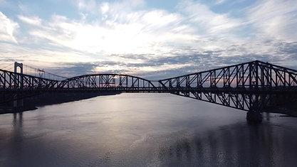 Coucher de soleil sur les ponts de Québec