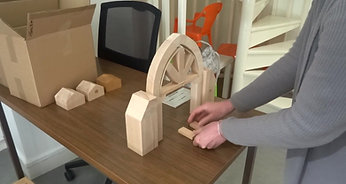 Montage voûte en arc brisé surbaissé par les médiatrices de Via patrimoine (Angoulême).