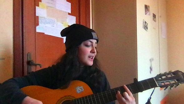 #iorestoacasa suonando e cantando una canzone