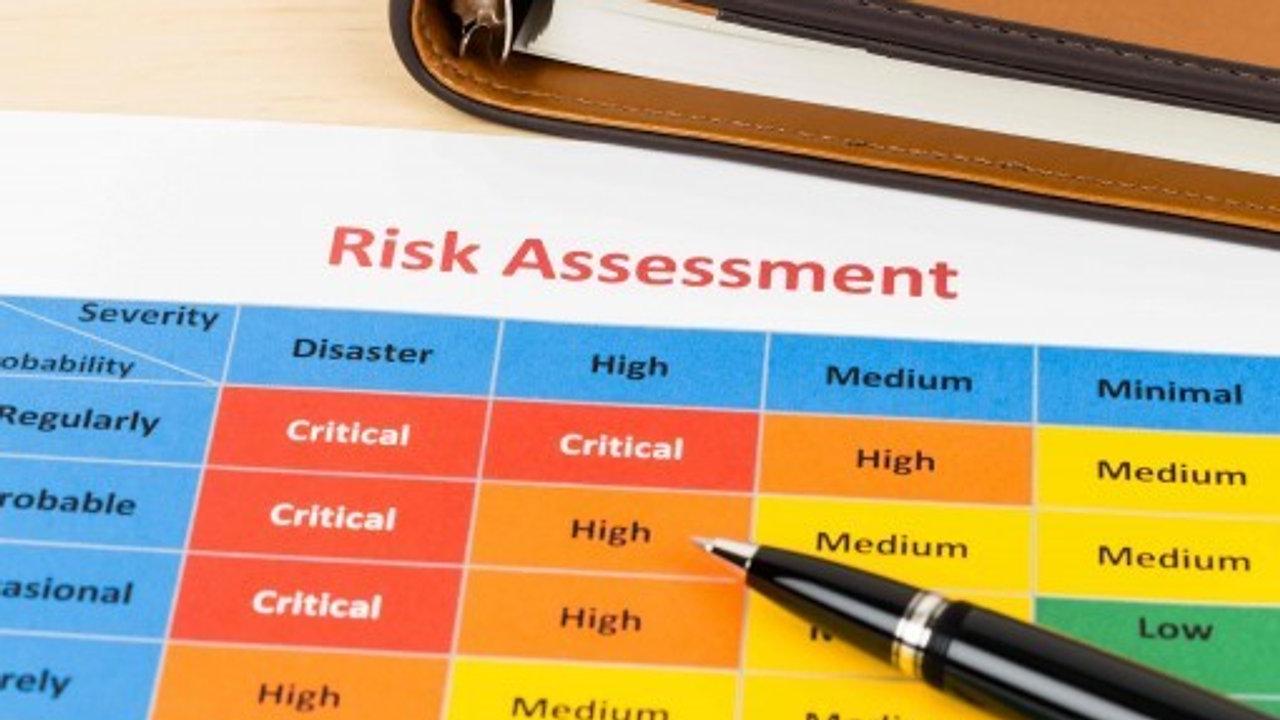 Avaliação de Risco para Monitoramento Ambiental - Angela Mattos