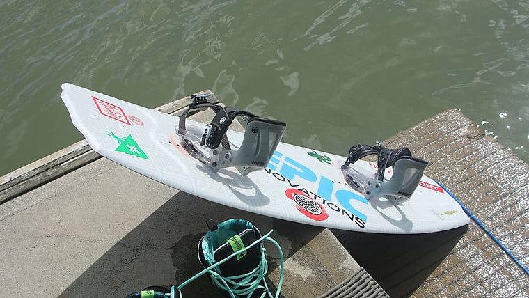 Boat Wakeboarding Beginer