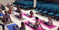 Aula de Yoga com as nossas crianças.