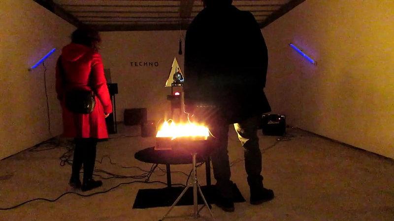 TECHNOCRISIS (Proyecto banda) - Casa Intermitente - con gente