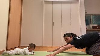MammaMia Yoga-コブラのポーズ