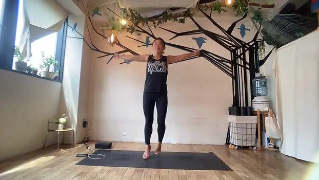 5/8 Kundalini yoga(Elevating each other) by Maiko Kurata