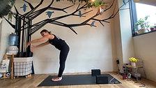 6/5 Hatha yoga (胸、体側、背中を解して気持ちよく呼吸しよう) by Maiko