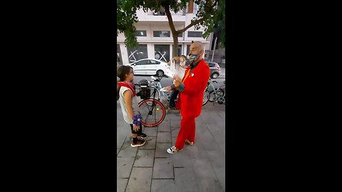Street show Magical clowning ...