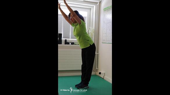 Dehnübung hintere Oberschenkel / Rücken