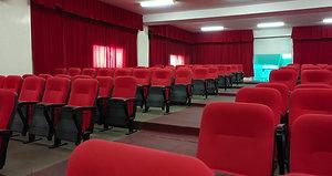 مسرح مدارس جيل الريادة  يتسع لأكثر من ٢٥٠ شخص