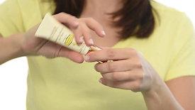 How to use - Restoring Eye Serum