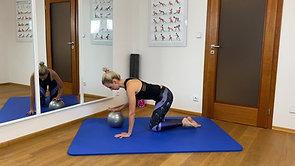 Zdravotní cvičení pro ženy_overball