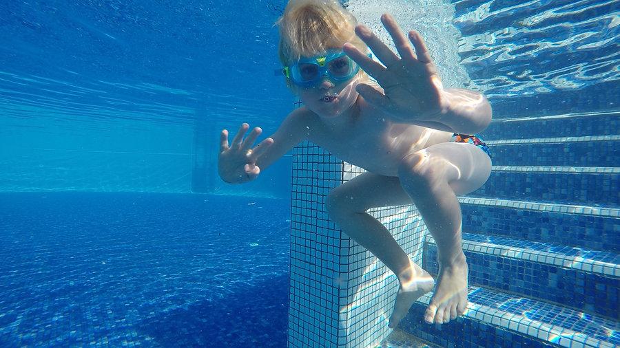 Lær dit Barn at Svømme