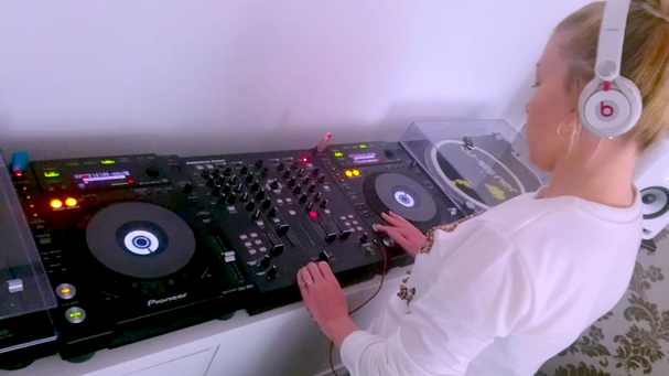 DJ Mix - New Track Preview & Find the Cure