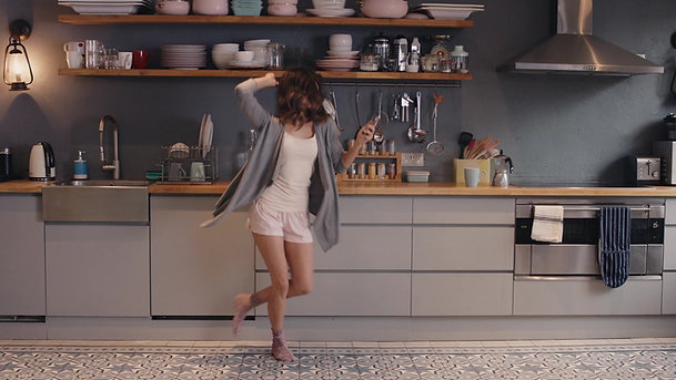Interstelarts pour belo6 film viral Femme 2017