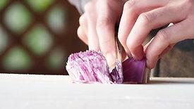 紫玉ねぎのみじん切り