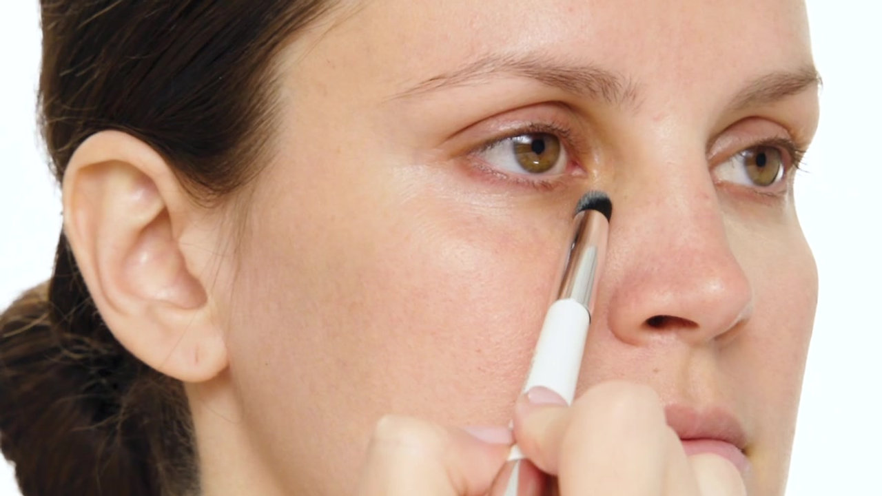 Woosh Beauty Makeup Ad