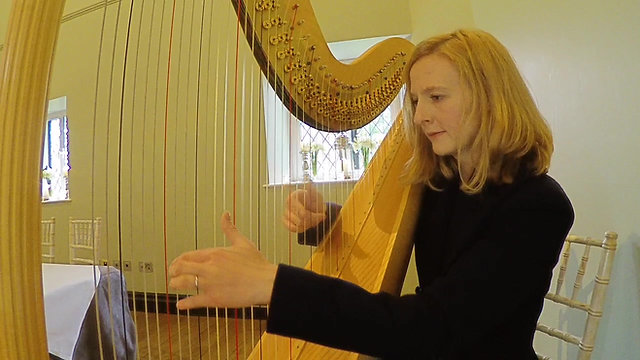The Gloucestershire Harpist - Angharad James Video