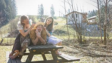 Ein Lyrisches Picknick | Trailer