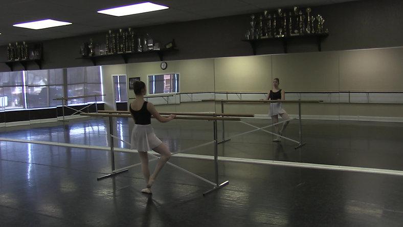 Frappe (Barre) - Ballet 2