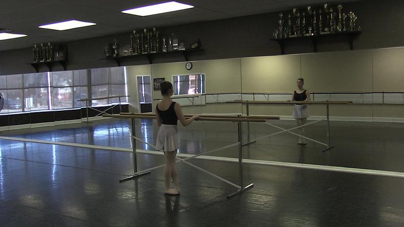 Changement de Pieds (Barre) - Ballet 2