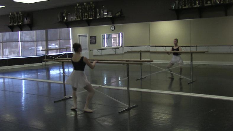 Temps Leve (Barre) - Ballet 2