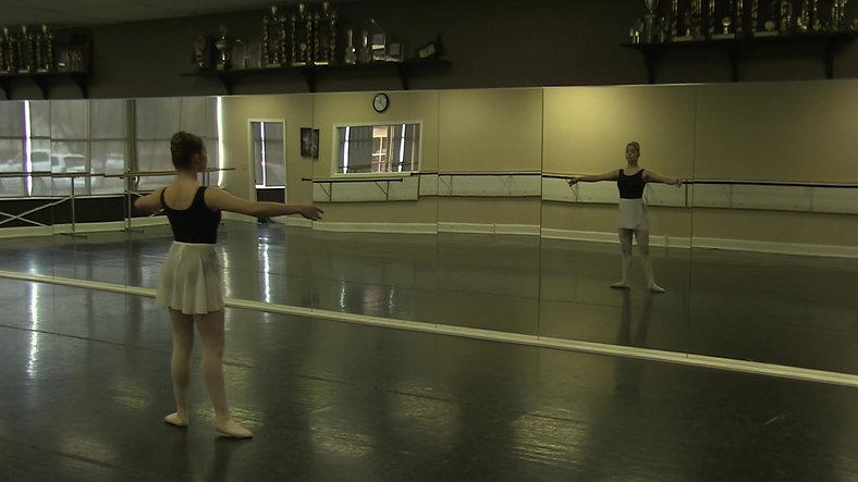 Plie (Centre) - Ballet 2