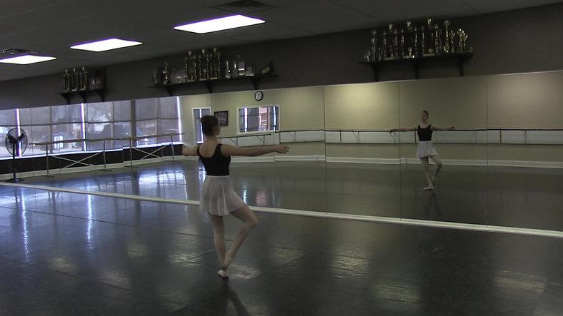 Frappe (Centre) - Ballet 2
