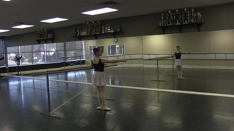 Rond de Jambe (Barre) - Ballet 2