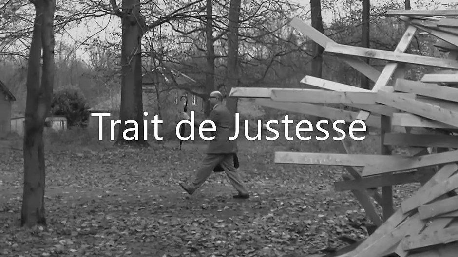 TRAIT DE JUSTESSE Dialogues entre un personnage Absurde dans sa rigueur et des Installations Artistiques.
