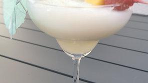 Cocktail Pina colada et tartinade crème de poivrons