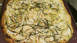 Pizza aux spaghettis de courgettes et chèvre