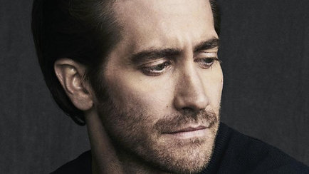 Santos Cartier de Cartier starring Jake Gyllenhaal (Seb Edwards)