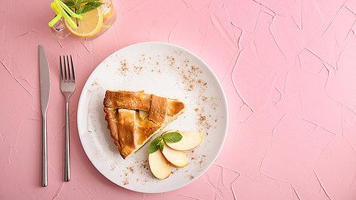 Granny's Apple Cinnamon Pie