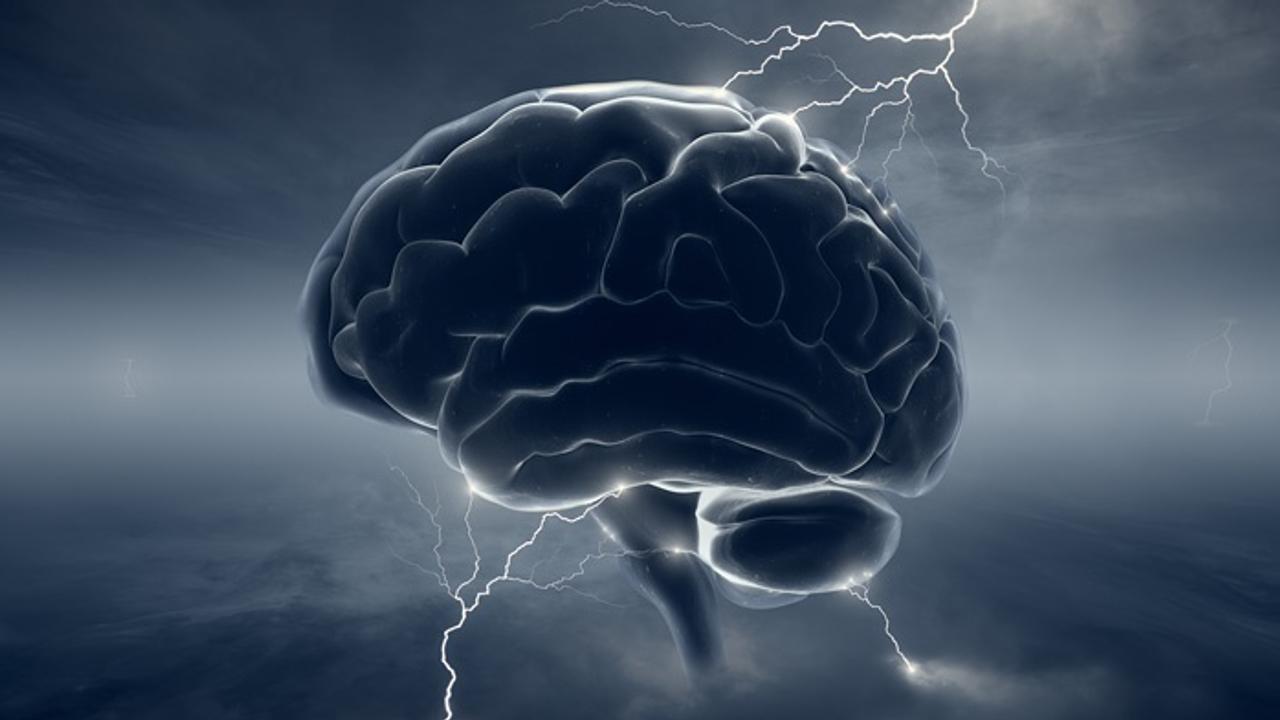 Neurocirurgia, a Arte de curar by EGM