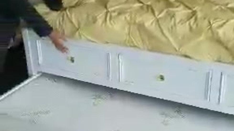 Coastline Storage Bed