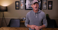 Tim McGraw Gives Gratitude to WWII Veterans