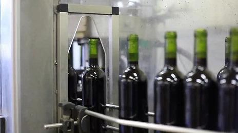 Mise en bouteille au Château / Bottling on the estate