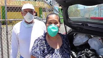 Entrega de compras para comunidad en Caguas