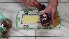 How to serve a cookie tray