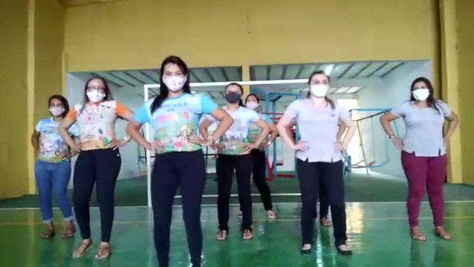 Musicalização da Prevenção do Corona Vírus com as Tias da Educação Infantil - 05/02