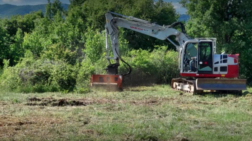 Building the 'La Cava' Vinyard (June 2021)
