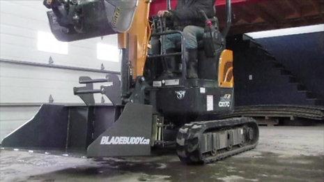 BLADEBUDDY BT-38
