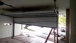Puerta Ascendente piso con desnivel