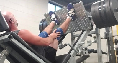 900lbs LEG PRESS for reps 2018 Aug 8